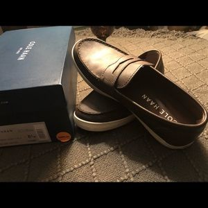 Men's sz 8.5 - COLE HAAN Leather Loafer